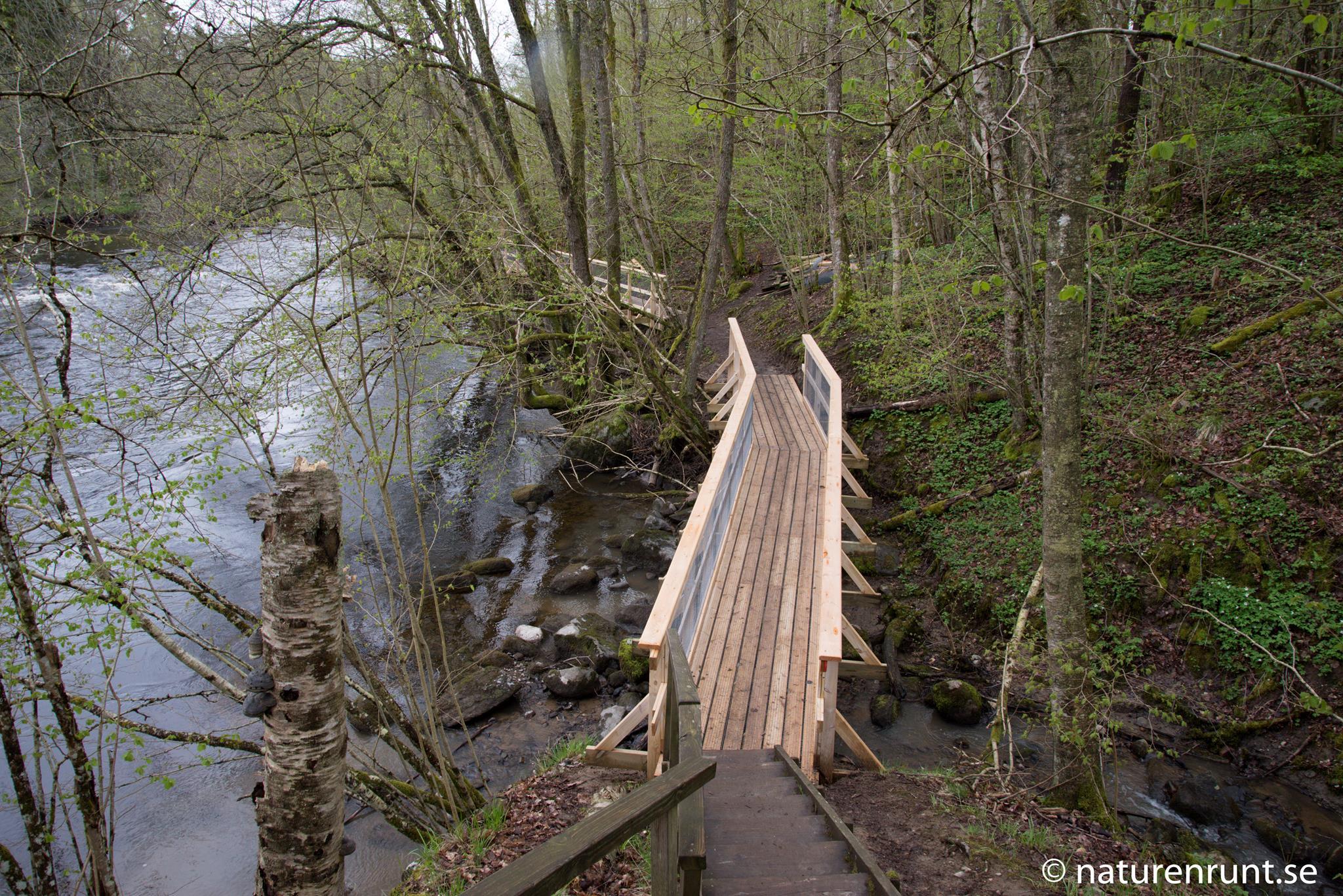 Bro - nya broar med räcken